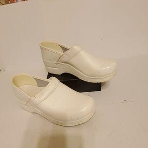 Dansko clogs women's shoes size 7